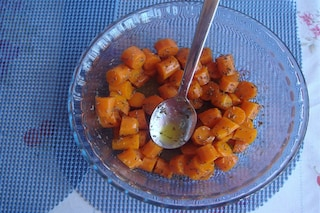 Carote in padella: la ricetta per cucinare un contorno saporito