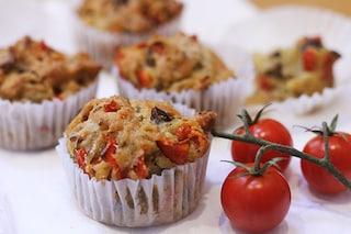 Muffin salati con pomodorini e acciughe: la ricetta imperdibile