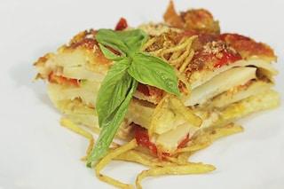 Parmigiana di patate senza besciamella: la ricetta per prepararla ricca e golosa