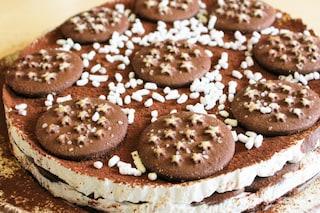 Torta pan di stelle: la ricetta facile e golosa senza cottura