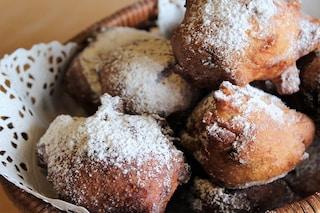 Frittelle di carnevale: la ricetta originale delle frittelle veneziane con uvetta