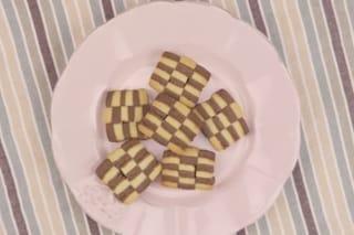 Biscotti a scacchi: la ricetta facile dei biscotti di pasta frolla