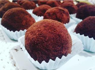 Tartufini al tiramisù con cuore di Nutella: la ricetta golosa facile e veloce