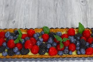 Crostata vegan ai frutti di bosco: dolce senza latte e uova