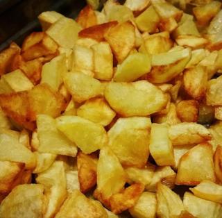 Patate fritte: la ricetta per farle a casa dorate e croccanti