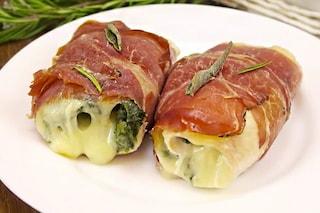 Involtini di pollo e speck: la ricetta veloce per un secondo piatto davvero gustoso