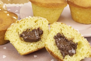 Muffin con cuore cremoso di Nutella: la ricetta del dolcetto soffice e goloso