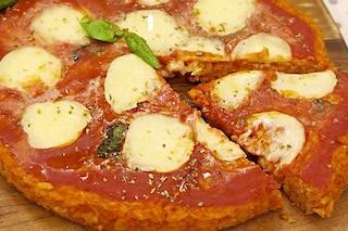 Pizza di riso: la ricetta per prepararla morbida e filante