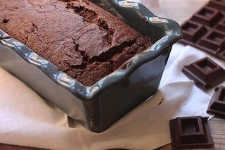 Plumcake al cioccolato: la ricetta per una colazione morbida