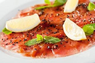 Carpaccio di tonno: la ricetta dell'antipasto fresco e gustoso