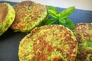 Hamburger di zucchine: la ricetta del secondo piatto estivo e leggero