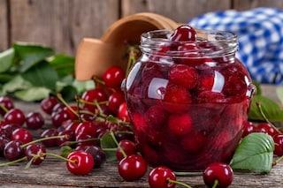 Ciliegie sotto spirito: la ricetta della conserva casalinga facile e gustosa