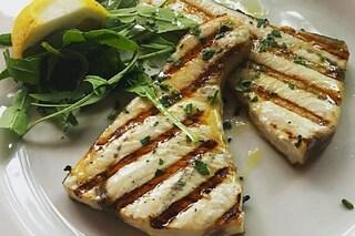 Pesce spada alla piastra: la ricetta del secondo piatto leggero e delicato