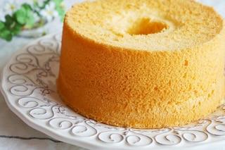 Chiffon cake al limone: la ricetta per prepararla soffice come una nuvola