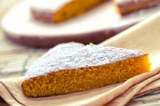 Torta di carote: la ricetta del dolce genuino senza mandorle