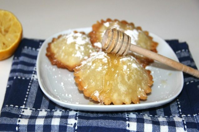 Sebadas seadas la ricetta originale del dolce sardo for Ricette dolci sardi