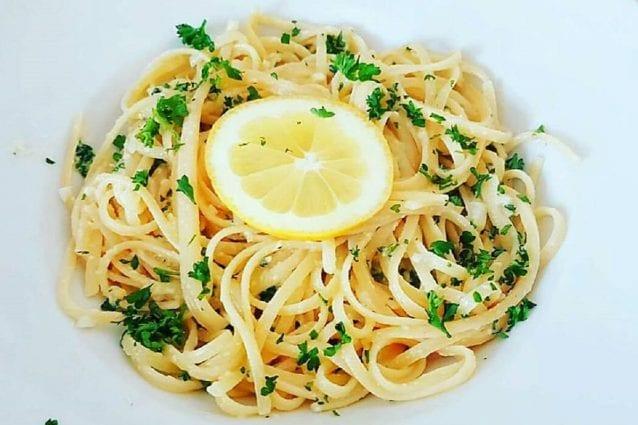 Spaghetti al limone la ricetta del primo piatto fresco e for Spaghetti ricette