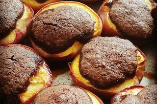 Pesche ripiene: la ricetta dello squisito dessert piemontese da cuocere al forno