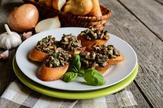 Crostini ai funghi porcini: la ricetta dell'antipasto stuzzicante e gustoso