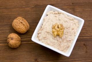 Salsa di noci: la ricetta del condimento tipico della cucina ligure