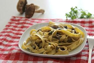 Tagliatelle ai funghi porcini: la ricetta del primo piatto autunnale