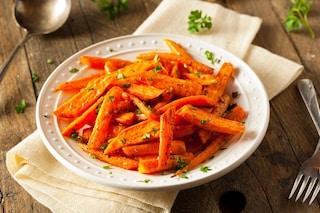 Carote al forno: la ricetta del contorno leggero e facile da preparare
