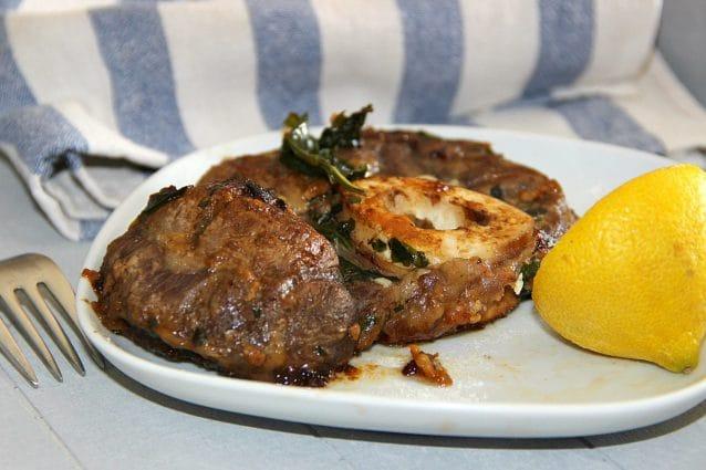 Ossobuco alla milanese la ricetta del classico piatto della cucina lombarda - Piatto della cucina povera ...