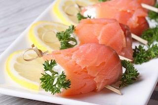 Involtini di salmone: la ricetta dell'antipasto veloce e delizioso