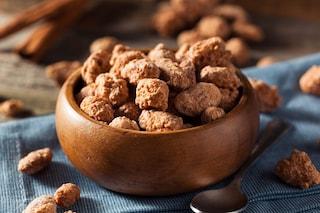 Mandorle caramellate: la ricetta dello snack delizioso facile da preparare