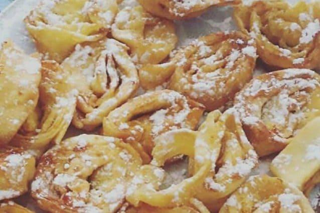 Tagliatelle dolci di carnevale la ricetta del dolce fritto tipico dell 39 emilia romagna - Cucina fan page ...