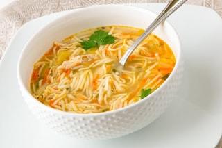 Tagliolini in brodo: la ricetta del primo piatto caldo e nutriente per l'inverno
