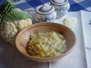 Minestra di cavolfiore: la ricetta del primo piatto povero gustoso e sostanzioso