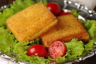 Pane in carrozza: la ricetta originale per prepararlo croccante e filante