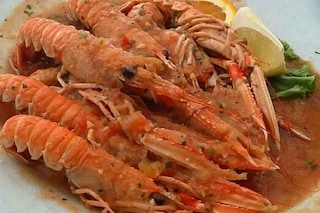 Scampi alla busara: la ricetta del secondo piatto di pesce tipico di Trieste