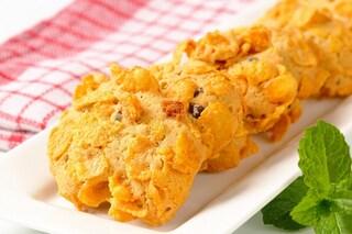 Biscotti corn flakes: la ricetta delle rose del deserto ai cereali leggere e fragranti