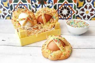 Cuddura cu l'ova: la ricetta pasquale del biscotto con le uova sode