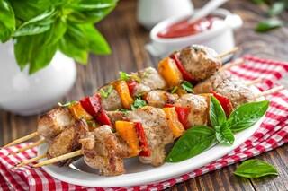 Spiedini al forno: la ricetta del secondo piatto facile e saporito