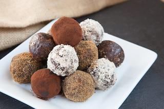 Tartufi al cioccolato e rum: la ricetta dei cioccolatini veloci e raffinati