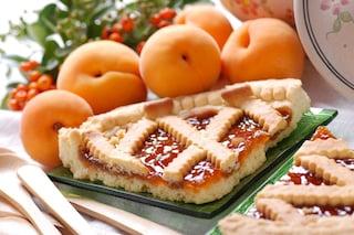Crostata di albicocche: la ricetta semplice preparata con base di pasta frolla