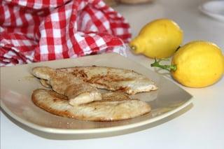 Fettine di pollo al pepe nero e limone: la ricetta gustosa e invitante