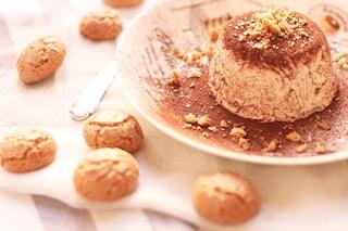 Semifreddo all'amaretto: la ricetta del dolce originale a base di meringa