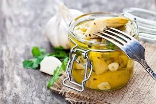 Carciofini sott'olio: la ricetta della conserva tipica della cucina mediterranea