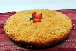 Sbriciolona ricotta e fragole: la ricetta del dolce primaverile
