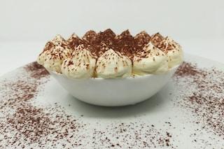 Crema al tiramisù: la ricetta veloce per un dolce al cucchiaio goloso