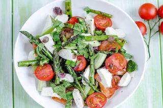 Insalata di asparagi: la ricetta veloce e sfiziosa per un pranzo leggero
