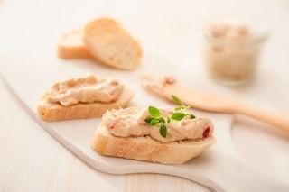 Mousse di tonno: la ricetta veloce e sfiziosa ideale per antipasti e aperitivi