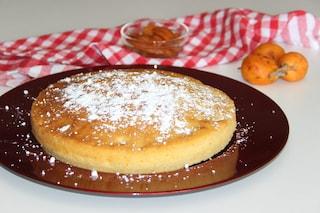 Torta di nespole: la ricetta del dolce semplice che sa di primavera