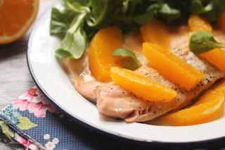 Trota salmonata all'arancia: la ricetta del piatto di pesce raffinato