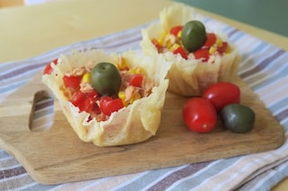 Cestini di parmigiano: la ricetta per prepararli croccanti e pronti da farcire
