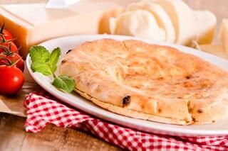 Focaccia senza lievito: la ricetta per prepararla ripiena e gustosa senza lievitazione